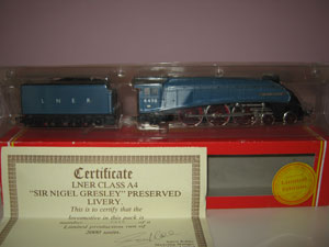 Hornby Railways LNER Class A4 Locomotive Sir Nigel Greesley Limited Edition
