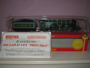 Hornby Railways LNER Class A3 Locomotive Pretty Polly Limited Edition
